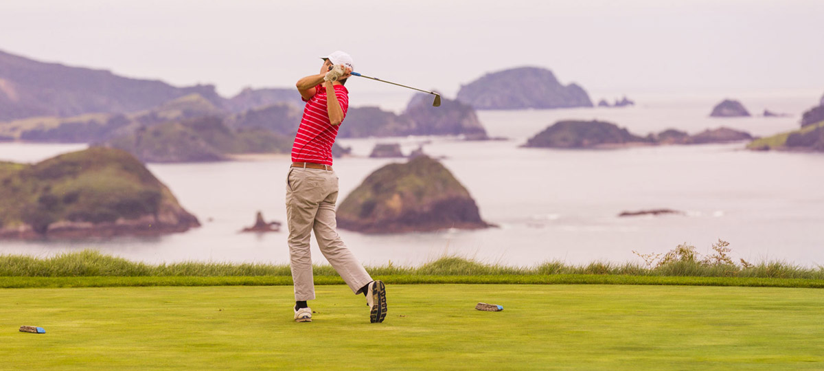 New Zealand: Coastal Golfing Getaway
